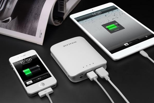 Мобильный аккумулятор MIRACASE MACC-818, 2xUSB, 1A + 2.1A,  10400 mAh, белый