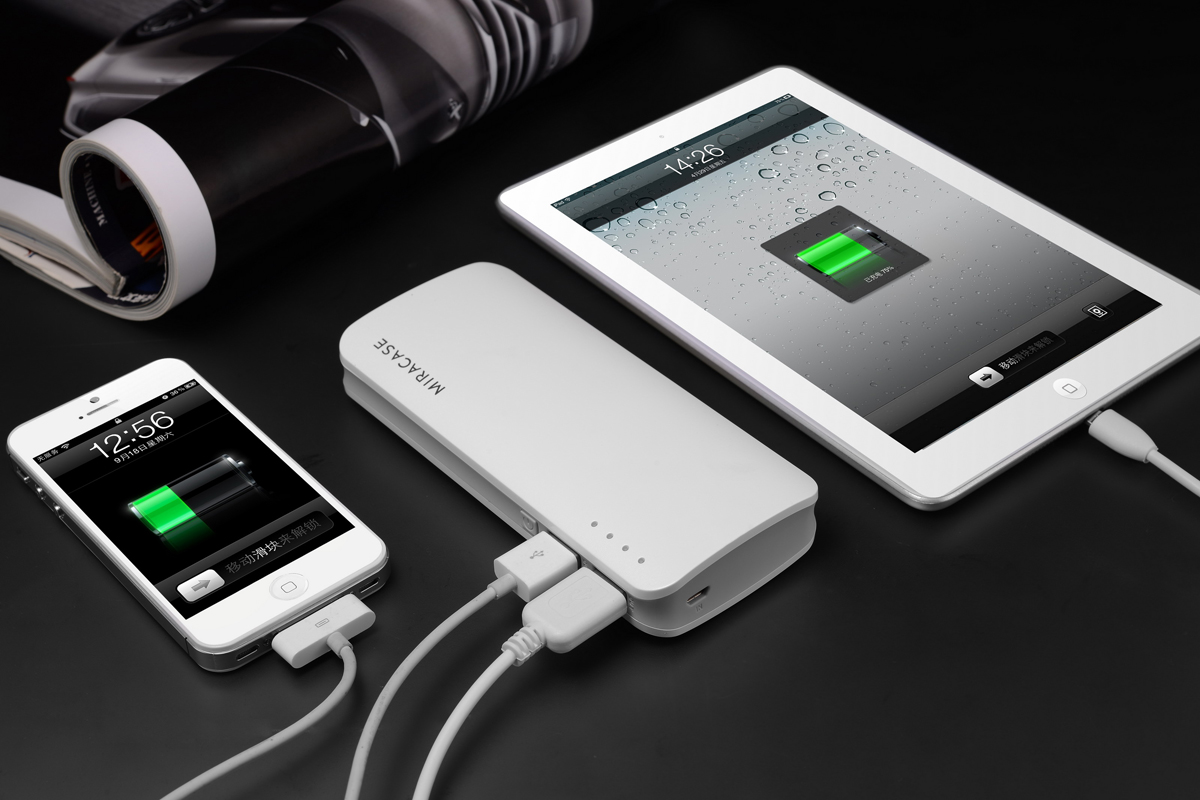 Мобильный аккумулятор MIRACASE MACC-818, 2xUSB, 1A + 2.1A, фонарик, 13000 mAh, белый